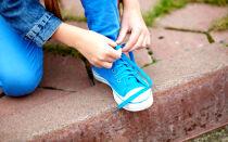 Як зав'язати шнурки на кросівках з бантиком і без бантика